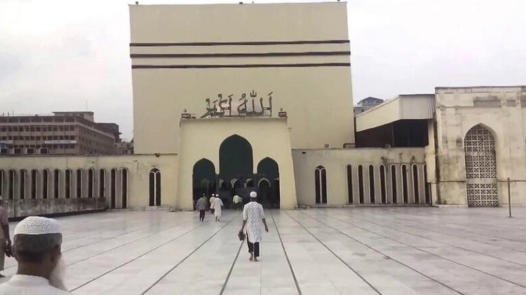 রাজধানীর বিভিন্ন মসজিদে সকাল ৭ টা থেকে শুরু হবে ঈদের জামাত